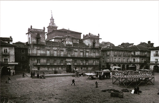 Plaza Mayor de Llión